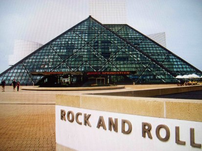 rock and roll hall of fame front view cleveland