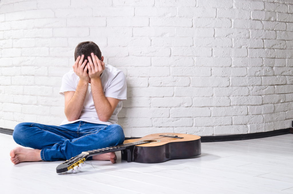 10 Ways To Stay Motivated While Learning Guitar