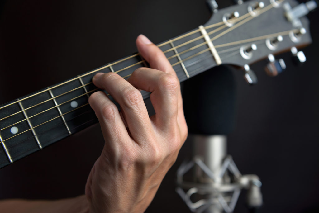 3 Ways to Simplify Barre Chords For Beginner Guitar Players