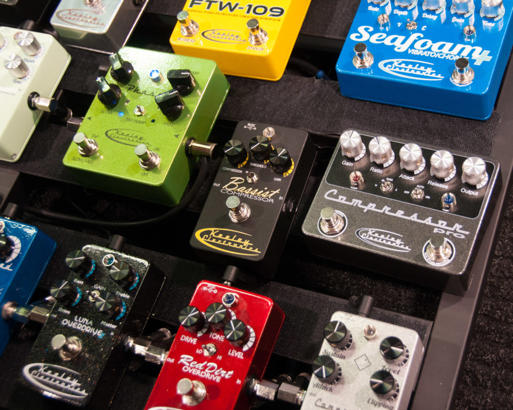 stomp boxes vs multi-effects units - PedalBoard Order
