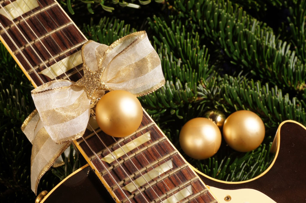 10 best christmas gifts for guitar players