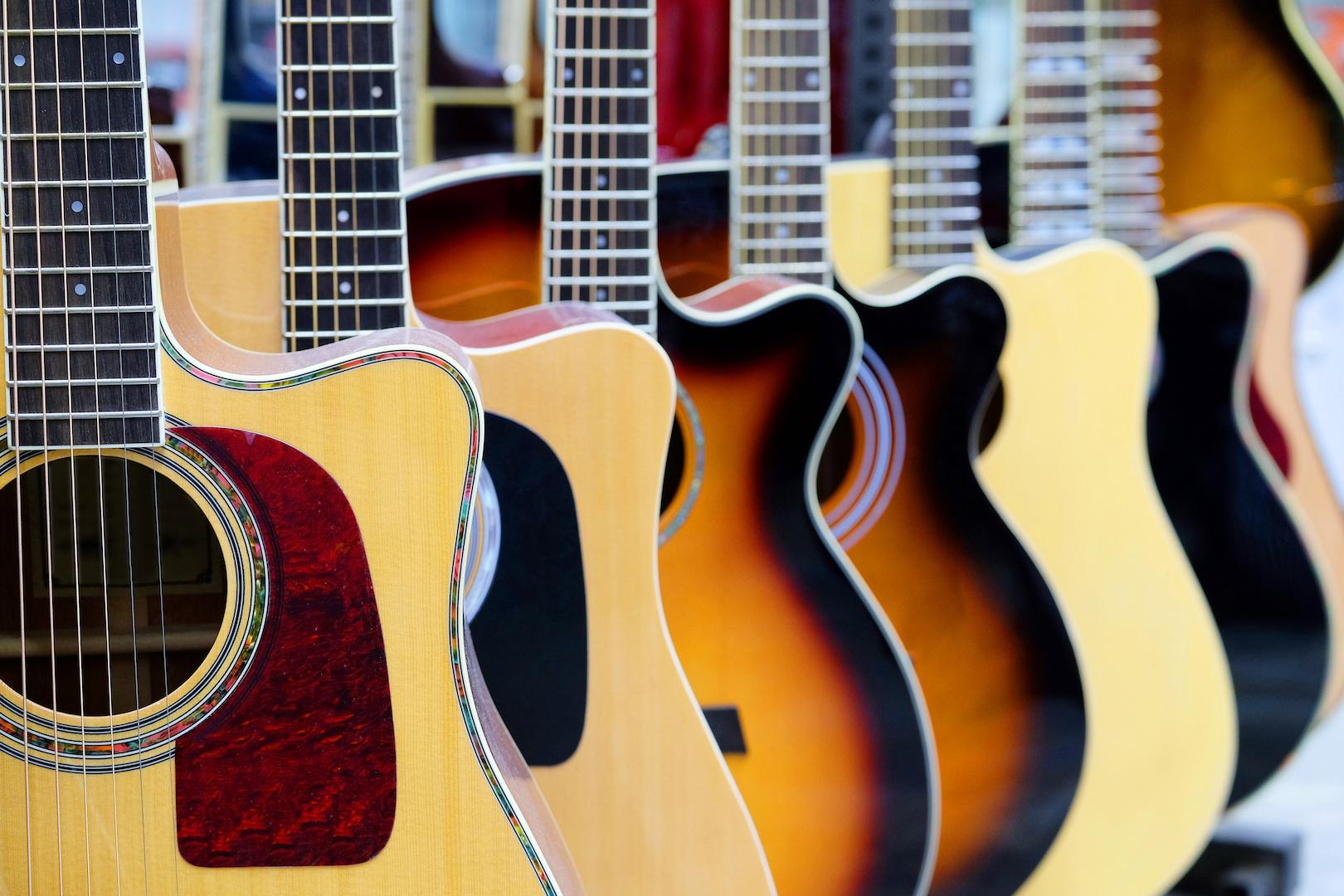 5 best affordable acoustic guitars for beginners 2016 uberchord app. Black Bedroom Furniture Sets. Home Design Ideas