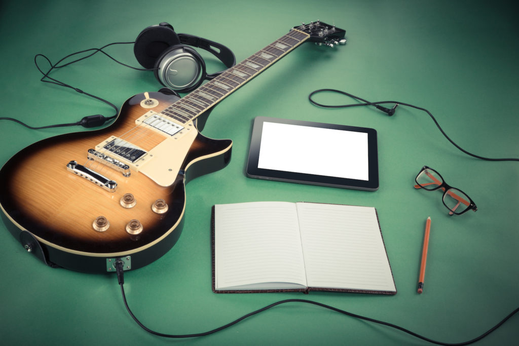 6 Tips to Learn Songs Faster On Guitar - Uberchord App