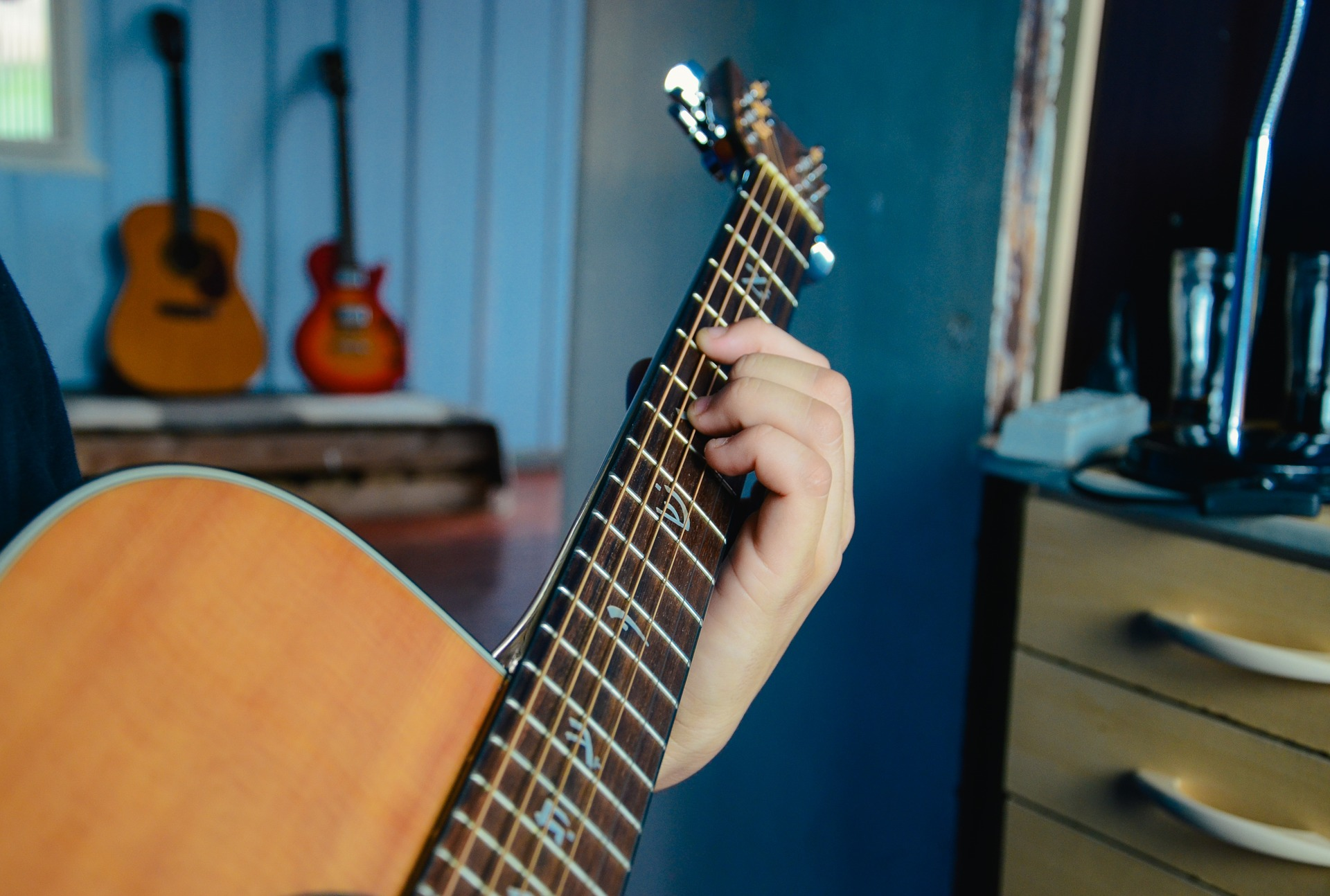 Extended Guitar Chords: How to play the 9th, 11th, and ...