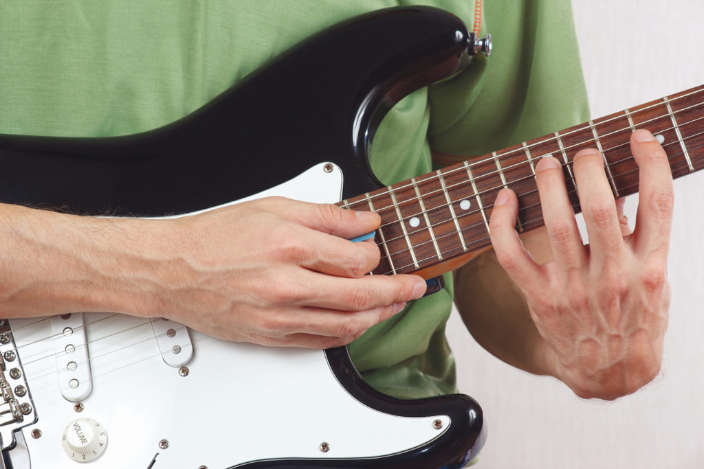 From Guitar Beginner To Professional In 5 Amazing Finger Exercises