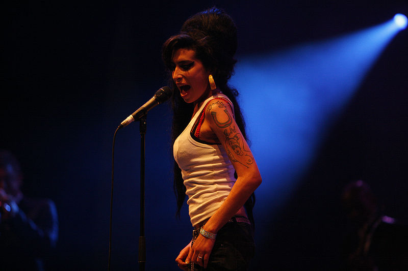 Rehab by Amy Winehouse | Lyrics with Guitar Chords - Uberchord App